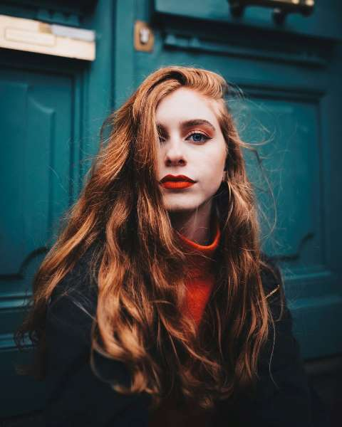 cabello naranja rojizo largo