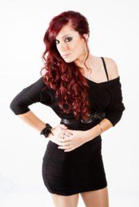 pelo rojo ondas ciruela